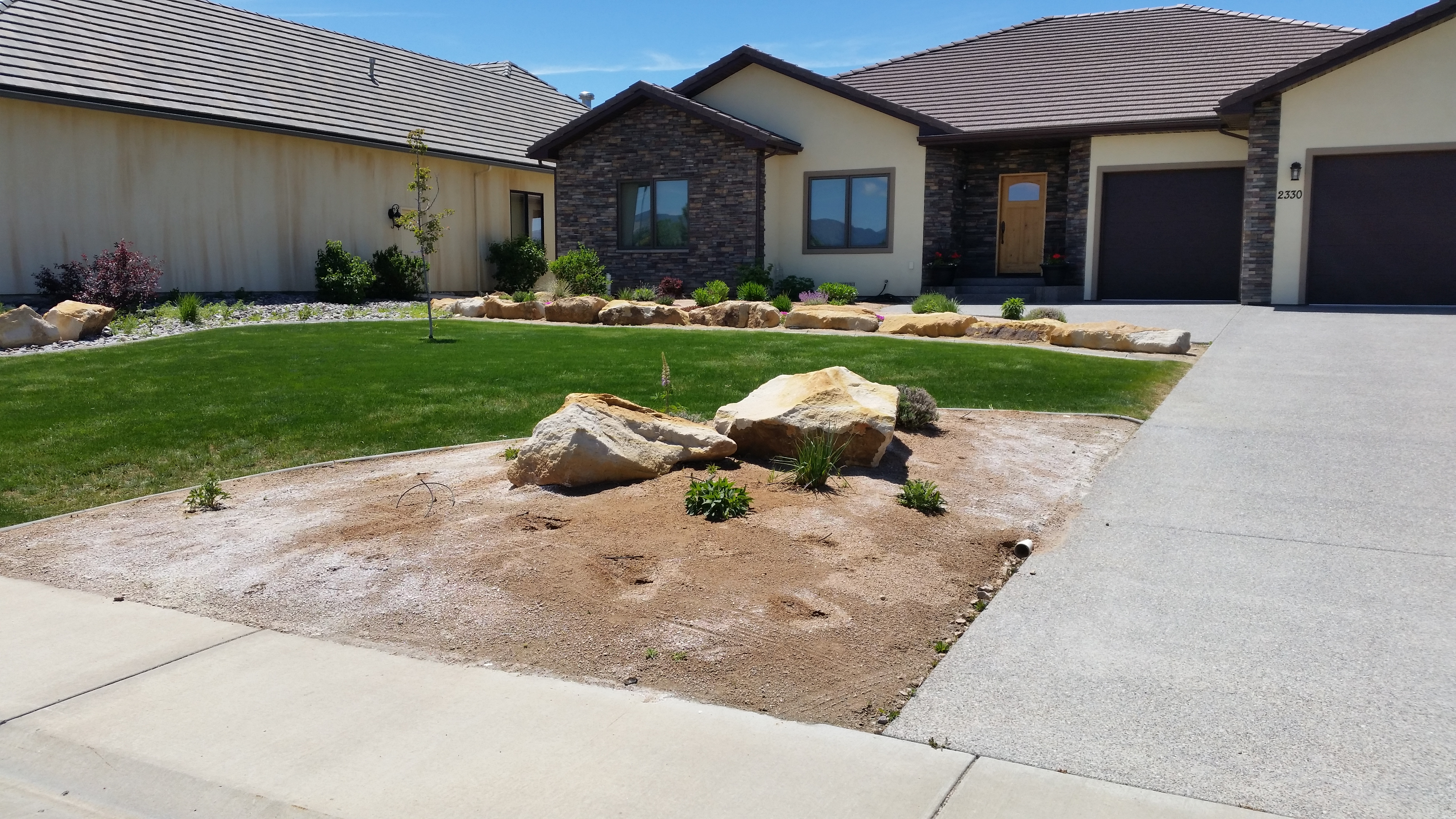 This Montrose Landscape Remodel Shows The Before And After Of Two Areas In Front Yard Adding Drought Tolerant Shrubs Perennials Add Color